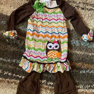 Girls 4t owl outfit.